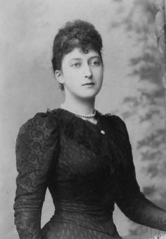 Princess Maud, later Queen Maud of Norway.  So very lovely