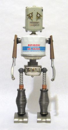 Arte Robot, Diy Robot, Found Object Art, Art Object, Tin Can Man, Tin Can Robots, Metal Robot, Welding Crafts, Vintage Robots