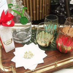 The weekend is here and the bar is set!  Cheers to Friday! Stock your bar with our favorite Entertaining essentials. #tfssi #stsimonsisland #seaisland #weekend #wine #vino #entertaining #happyhour #cheers #monogram #gold #custom #handpainted #salliebynum #emilymccarthy #williamyeoward #shopsmall #shopgoldenisles #rsmclassic #thersmclassic @emilymccarthyshoppe @salliebynumanzelmo @williamyeowardcrystal