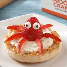 Octopus English Muffin: Turn your breakfast into a cute critter! Start with a toasted Thomas' Original English Muffin, spread on cream cheese and top it with a strawberry octopus! # Food and Drink activities for preschool Food Art For Kids, Fun Snacks For Kids, Cute Snacks, Kids Food Crafts, Kid Snacks, Cute Food, Good Food, Yummy Food, Toddler Meals
