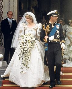 remember watching this on tv? We thought it would last forever. She was gorgeous. Love the dress and bouquet.