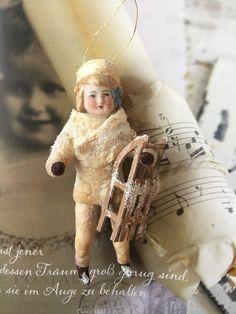 Antique Christmas Ornaments, Christmas Tree Toy, Victorian Christmas, Christmas Love, Christmas Tree Decorations, Vintage Christmas, Merry Christmas, Xmas, Christmas Ideas