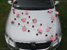 light pink roses with little burgundy roses on silver motorhood - car decoration with style, no ribbons, no balloons