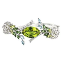 Chanel's Les Brins de Printemps peridot bracelet