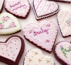 Pretty Valentine Cookies with Messages