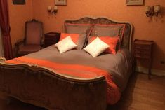 AirBNB  3 bedrooms- $728