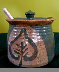 Extra large honey pot Holds a quart by paradisepottery on Etsy, $40.00
