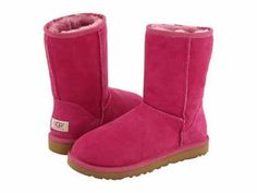 LOVE it This is my dream ugg boots-fashion ugg boots! Click pics for best price ♥ugg boots♥ Kids Ugg Boots, Ugg Boots Sale, Ugg Boots Cheap, Snow Boots, Ugg Kids, Cheap Uggs, Fur Boots, Ankle Boots, Ugg Boots Outfit