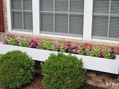 On Monday I shared the window box Brad and I recently built to add curb appeal to our house. Â Today I'm sharing how to make a window box so you can hopefully build one (or more)Â for your home. Diy Projects For Men, Outdoor Projects, House Projects, Wood Projects, Front Yard Landscaping, Landscaping Ideas, Backyard Ideas, Garden Ideas, Sloped Backyard