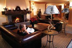 Hôtel Chalet RoyAlp & Spa. Les 63 chambres & suites ainsi que les 30 appartements vous invitent à la détente en famille ou entre amis. Véritables lieux de vie où le luxe et le style se conjuguent avec l'espace, les chambres et appartements offrent confort et sérénité.
