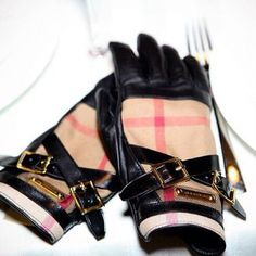 Burberry Driving Gloves