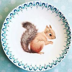 🐿 Lief eekhoorntje 💕 Na het hertje heeft het eekhoorntje ook wat gezellige stipjes gekregen! Fijne middag!🍀 #stipperdestip #stippen… Pottery Painting, Dot Painting, Stippling, Clay Projects, Art Tutorials, Diy And Crafts, Polka Dots, Colour, Instagram