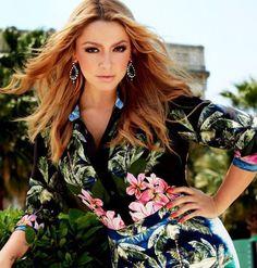 Pop Singers, Turkish Actors, Interesting Faces, Life Magazine, Actors & Actresses, Floral Tops, Dressing, Hollywood, Celebrities