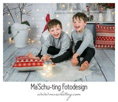 Christmas Mini Session 2017 Christmas Mini Sessions, Christmas Minis, Alcoholic Drinks, Pictures, Christmas Time, Alcoholic Beverages, Liquor