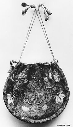 Bag Date: late 17th century Culture: French Medium: Silk and metal thread Accession Number: 24.146.6