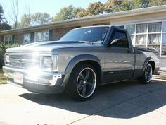 Gray two tone Chevrolet Blazer, Chevrolet Trucks, Mini Trucks, Old Trucks, S10 Truck, Chevy Luv, Lowered Trucks, Chevrolet Colorado, Chevy Pickups