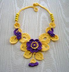 Crochet floral necklace www.etsy.com/shop/CraftsbySigita