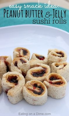 have a super easy and fun after school snack idea - try these Peanut butter and Jelly Sushi rolls - the kids love them!I have a super easy and fun after school snack idea - try these Peanut butter and Jelly Sushi rolls - the kids love them! Healthy Bedtime Snacks, Healthy School Snacks, Healthy Afternoon Snacks, Healthy Kids, Healthy Beach Snacks, After School Snacks, Snacks For Beach, Easy Snacks For Kids, Beach Lunch