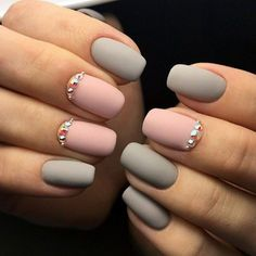 I love matte nails! You can make a matte nail polish coat with clear coat and cornstarch