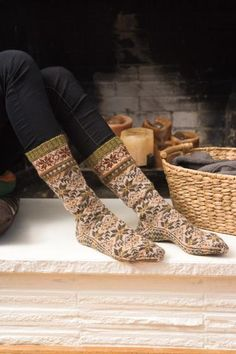 Apirka Socks Pattern from Knit Picks. 9859dde32d
