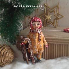 Девочка с санями Продана. #ватнаяигрушка #новыйгод #кукла #елочнаяигрушка #ватныеелочныеигрушки