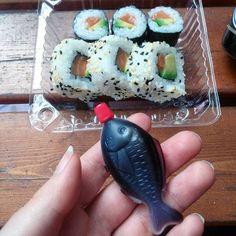 Mit Sushi überrascht worden  #paleo #primal #eatclean #atkins #dukan #foodgasm #foodporn #glutenfree #healthy #ketosis #lowcarbhighfat #lowcarb #lchf  #keto #ketogenic #kitchenbowl  #fitfam #weightloss #fitness  #weightlossjourney #cheatday #lowcarbgermany #sushi #wasabi #ginger #japan #japanesefood #asian #Sashimi #kikkoman by mrs.avocado