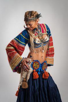 Neat dance sleeves Fusion Bra ATS Bra Belly Dance Bra with Fragrant Clove Beads - PARFUME D'ARRABIE. $220.00, via Etsy.