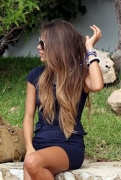 Very chic ombré light to golden blonde Highlights.