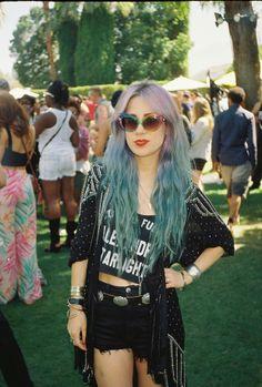 Alexandra from Alexandra and the Starlight Band wearing super-cool faded MANIC PANIC mermaid locks at Coachella!