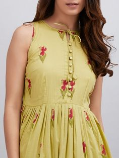 New dress designer cotton 17 Ideas Kurta Designs Women, Salwar Designs, Kurti Designs Party Wear, Neck Designs For Suits, Dress Neck Designs, Blouse Designs, Casual Frocks, Frock Fashion, Fashion Outfits