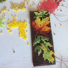 Ткачество.Бисер. Seed Bead Jewelry, Seed Beads, Beaded Jewelry, Iron Beads, Beading Projects, Bead Loom Patterns, Beading Patterns, Indian Beadwork, Beaded Necklace Patterns