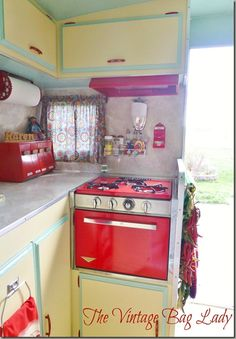 Another view of the Vintage Bag Lady's trailer that is same make as ours... 1969 Shasta 1400.  Hers is amazing.  Ours is too... someday it will be PINNED.