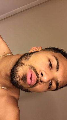 allmoney-in:    bathroom selfies @ 10:07pm  Instagram: quanreeves