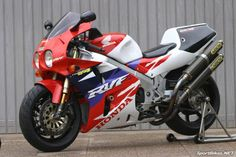 Honda RC45 - If ever a bike needed a more modern fairing it was this one.