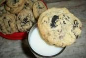 CHEWY OREO & CHOCOLATE CHIP COOKIES: A delicious twist on a all time fave  #Oreo #chocolate #cookies