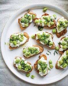 Greens peas and toast: Toast baguette, whisk 2T evoo, juice 1 lemon, 1 minced garlic, 1T fresh dill, 1/2t S&P. Toss w/ 2c peas. Set aside. Combine 1c ricotta, lemon zest, 1/4t salt. Spread ricotta on baguette, top with peas.