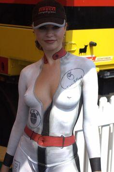Mulheres com corpo pintado de moto, gostosa com corpo pintado na moto, babes on bike with body paint, Women on bike with body paint