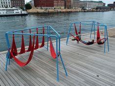 DOMINGOS de INSPIRACION {} Porque el #diseño esta por todas partes.... Para cuando uno de estos en Donosti? De los diseñadores urbanos Jair Straschnow y Gitte Nygaard....El de la foto esta instalado en #Copenhague #mobiliariourbano#relax