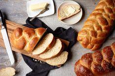 Bake Homemade Bread in a Hurry With 9 Speedy Hacks Bread Recipes, Cooking Recipes, Baking Secrets, Whole Grain Bread, Detox Recipes, Detox Foods, Bread Rolls, Bread Baking, Yeast Bread
