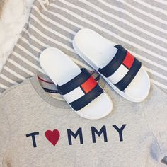 Tommy Hilfiger 90's Fashion Brands Tommy Hilfiger Fashion, Tommy Hilfiger Shoes, Tommy Hilfiger Mujer, Tommy Hilfiger Women, Tommy Hilfiger Clothing, Womens Fashion Stores, Fashion Brands, Fashion Women, 90s Fashion