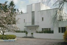 1930s modernist house - New Ways by Peter Behrens
