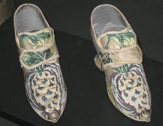 Pair of Lady's Shoes, Spitalfields, c. 1735, Victoria & Albert Museum. More info: http://twonerdyhistorygirls.blogspot.com/2011/07/elegant-pair-of-silk-shoes-c-1735.html#