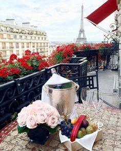 Hotel Plaza Athenee, Paris / Journey into la Ville Lumière