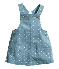 Bib dress in cotton corduroy with a printed pattern. Suspenders with snap fasteners, patch pockets at front, and snap fasteners at sides. Fashion Kids, Baby Girl Fashion, Women's Fashion, Baby Overalls, Overalls Style, Overalls Fashion, Kids Dress Patterns, Kids Frocks, Cute Baby Clothes