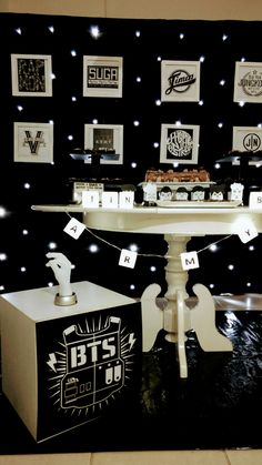 Niver Bts Happy Birthday, Army's Birthday, Birthday Parties, Birthday Ideas, Bts Cake, Army Room Decor, Kpop Diy, Bts Birthdays, Birthday Decorations