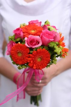 BRIGHT fabulous bouquets #wedding #flowers