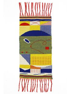 The famed Bauhaus textile designs of Ani Albers and Gunta Stölzl weren't the kind of tapestries that homeowners in the and were… Weaving Textiles, Weaving Art, Tapestry Weaving, Hand Weaving, Textile Patterns, Textile Design, Bauhaus Textiles, Creative Textiles, Weaving Projects