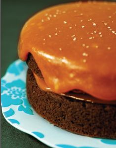 This delectable dessert is sure to satisfy any sweet cravings in an instant! These recipes for sweet pear cake and thick caramel sauce are. B Recipe, Icing Recipe, Frosting Recipes, Cake Recipes, Dessert Recipes, Desserts, Thick Caramel Sauce Recipe, Cupcakes, Cupcake Cakes