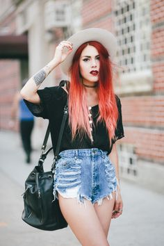 """Luana) """"Going to Starbucks... Anyone want to tag along?"""""""