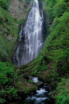 Kurokuma Falls, Ajigasawa, Aomori, Japan